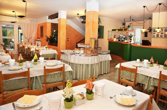 Marolda Hotel: sala colazione