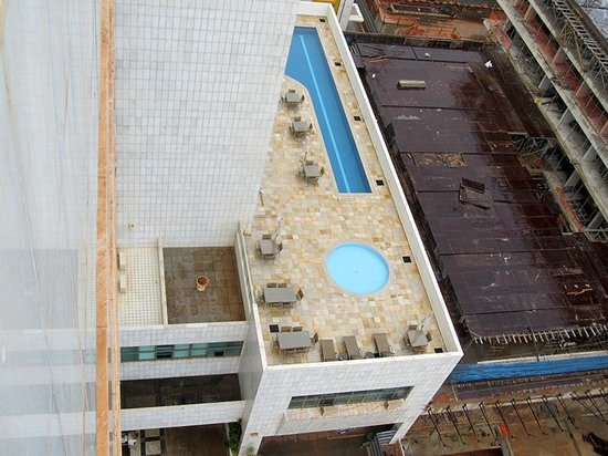 Mercure Apartments Brasilia Lider:                   The pool