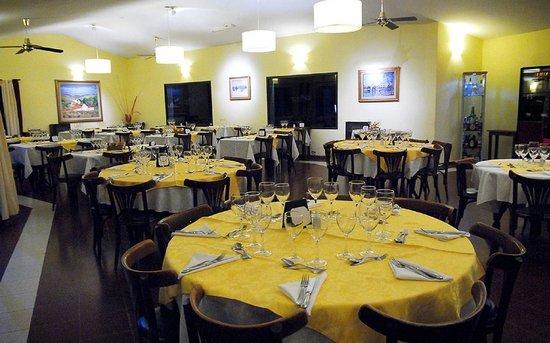 Alta Gracia Golf Club Restaurant Photo