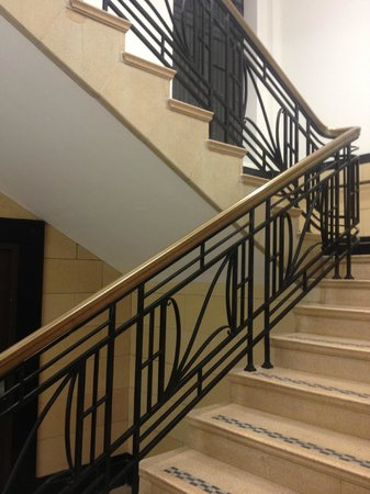 Premier Inn Coventry City Centre (Earlsdon Park) Hotel:                   The staircase with beautiful brass handrail and metalwork