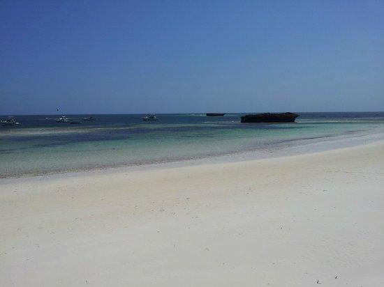 Watamu Beach:                   La Spiaggia bianca e tranquilla