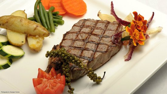 Nick's Swiss Italian Restaurant : Steak? Yes please!