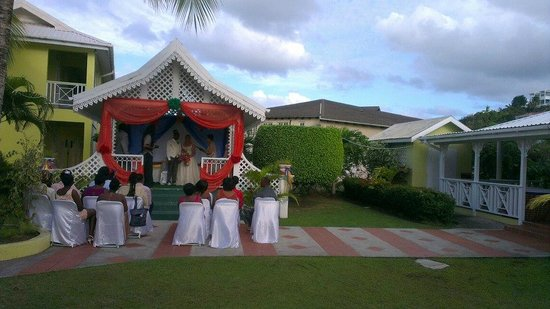 Bay Gardens Hotel:                   wedding