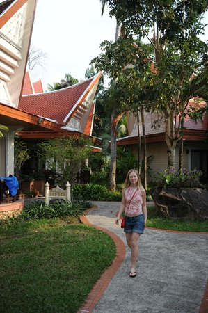 Santhiya Tree Koh Chang Resort:                   территория