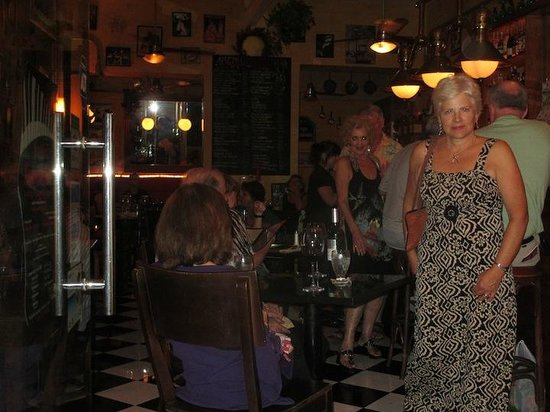 La Cigale : French Ambiance in PV