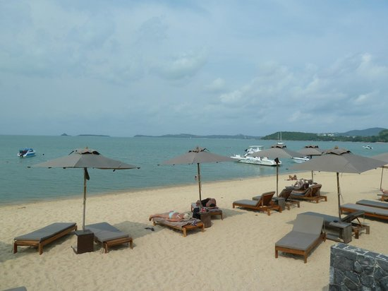 Hansar Samui Resort: Playa del hotel
