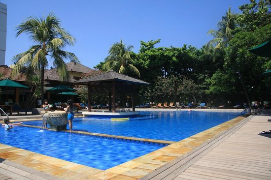 Risata Bali Resort & Spa:                   Pool