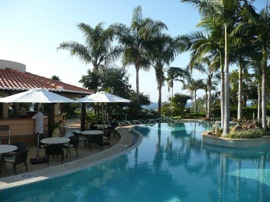 Suite Hotel Eden Mar:                   near the pool