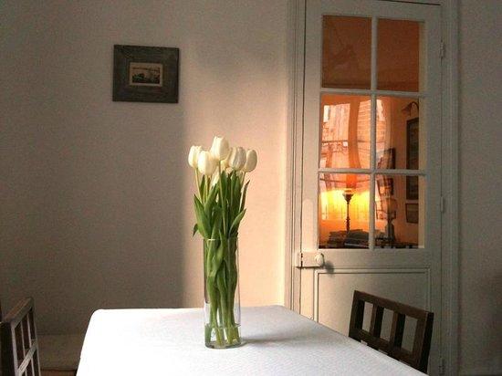 maison garnier biarritz salle à manger tulipes