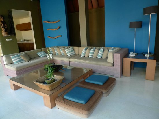 Ahimsa Beach Resort:                   3bdr livingroom