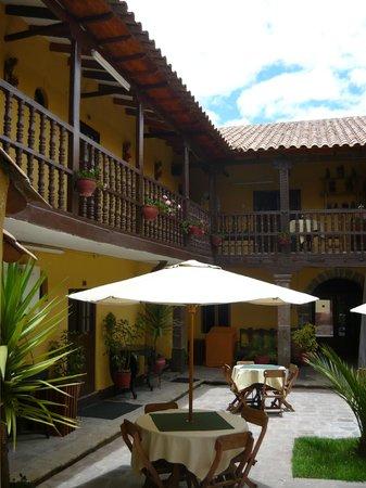 Hostal Quipu Cusco: Vista del patio