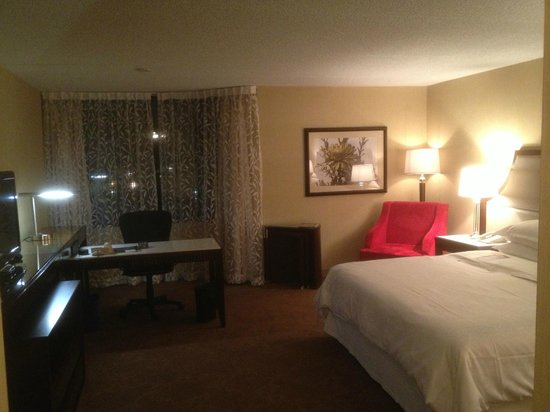 Sheraton Hamilton Hotel:                   A great hotel room to make work more relaxing!