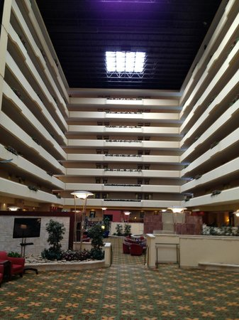 University Plaza Hotel and Convention Center: University Plaza Atrium