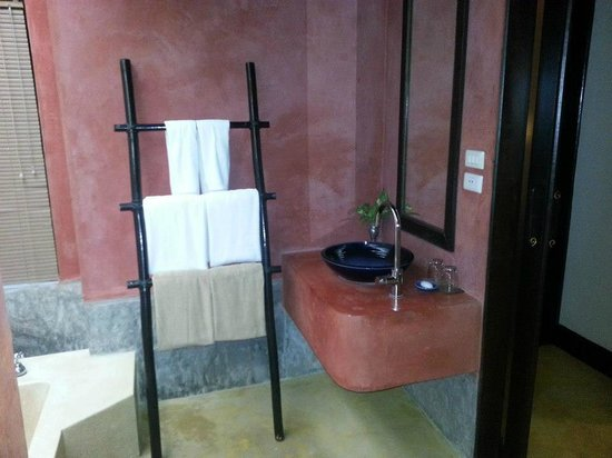 The Village Resort and Spa:                   bagno