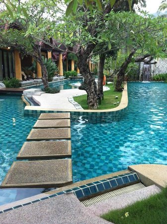 The Village Resort and Spa:                   piscina