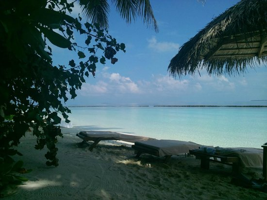 Baros Maldives:                   Our beach only 5m from the villa.