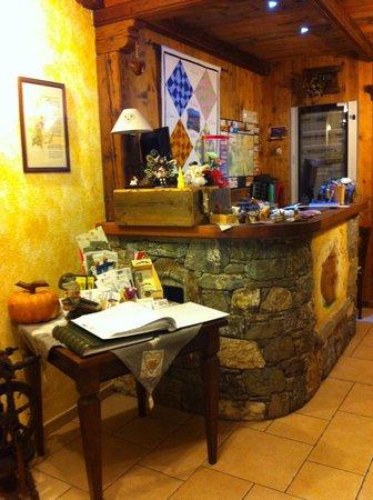 Agriturismo La Reina Valle d'Aosta:                   Reception, credit cards welcome