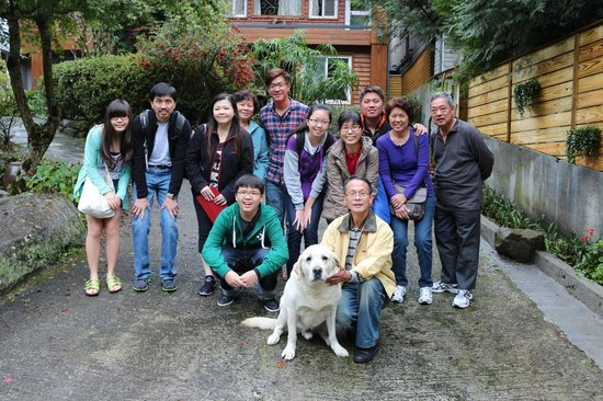 Fuyam Tourist Home:                   Pics with Chung Family