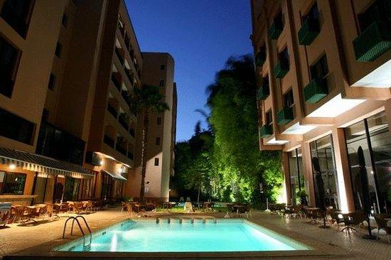 Meriem Hotel: PISCINE