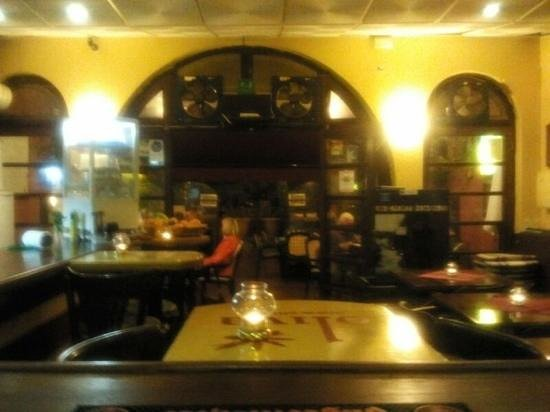 Restaurante Oliva :                                     interior out to terrace
