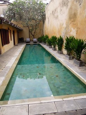 The Fort Printers:                   lovely little pool