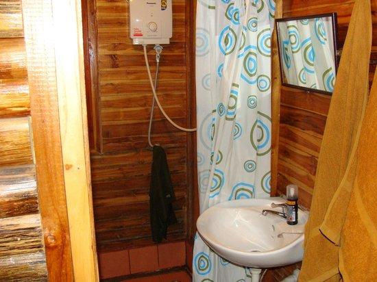 Banana Garden Home: salle de bain