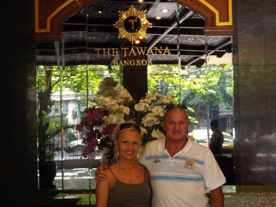 曼谷塔瓦納酒店照片