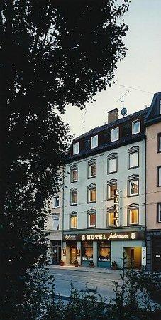 Jedermann Hotel : Hotel front