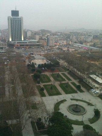 InterContinental Istanbul:                   City Lights dan Taksim Meydanı