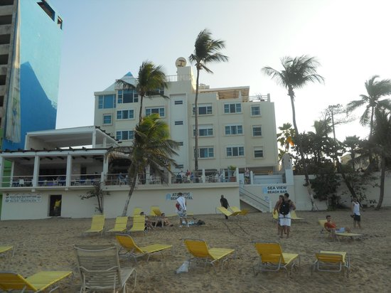 Atlantic Beach Hotel: View of hotel from beach