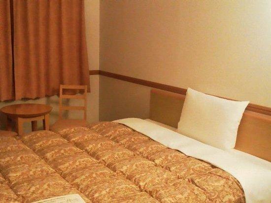 Toyoko Inn Tokushima-eki Bizan-guchi:                   ダブルベッド