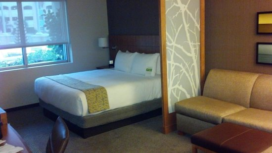 Hyatt Place Delray Beach:                   king bed