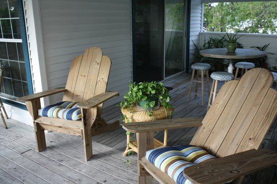 #Davis House Inn: Relax on our deck with a great view or the River