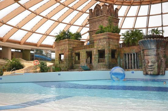 Aquaworld Resort Budapest: Wave Pool
