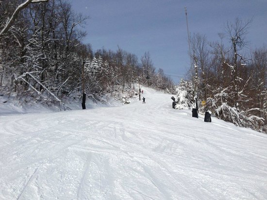 Seven Springs Mountain Resort: Skiing down a green trail