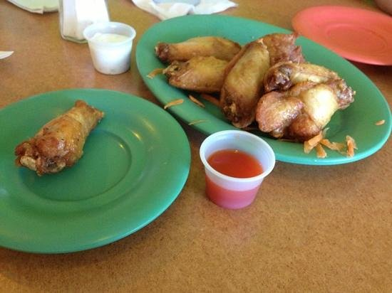 "El Toston Criollo :                   In the menu says ""alitas picantes"" (hot chicken wing) and they served it like"