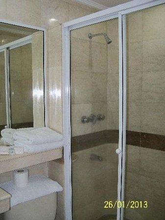 3 Piece Bathroom Small Needs Better
