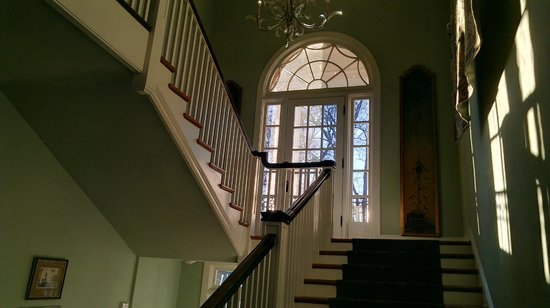 The King's Daughters Inn:                   Front stairway
