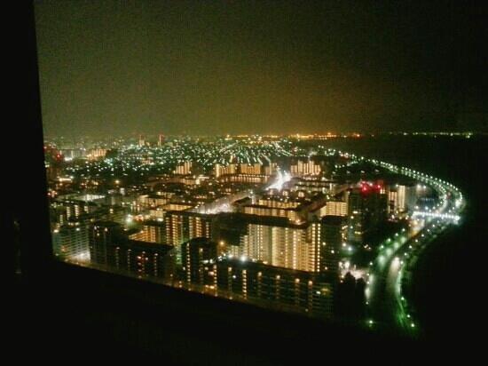 APA Hotel & Resort Tokyo Bay Makuhari:                   綺麗な夜景は見物です!