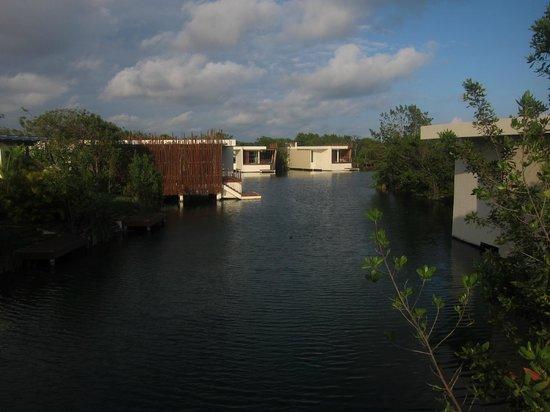 Rosewood Mayakoba:                   lagoon suites