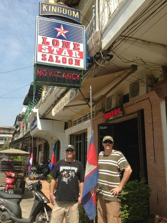 Lone Star Saloon Bar and Guest House:                   Love this place!