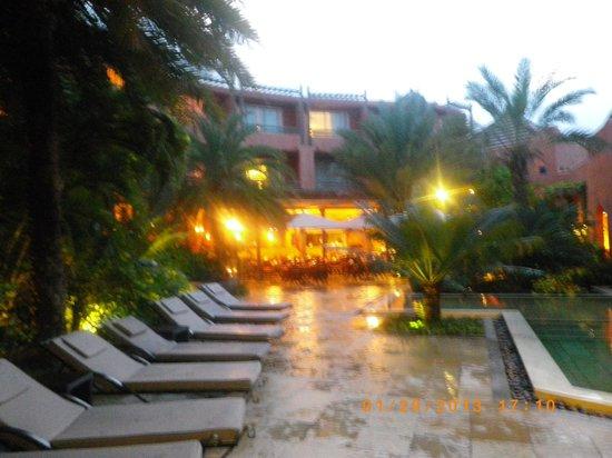 La Palmeraie Hotel:                   la piscine