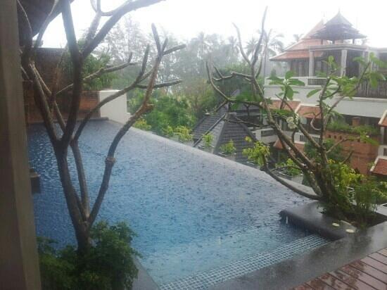 Royal Muang Samui Villas:                   regen