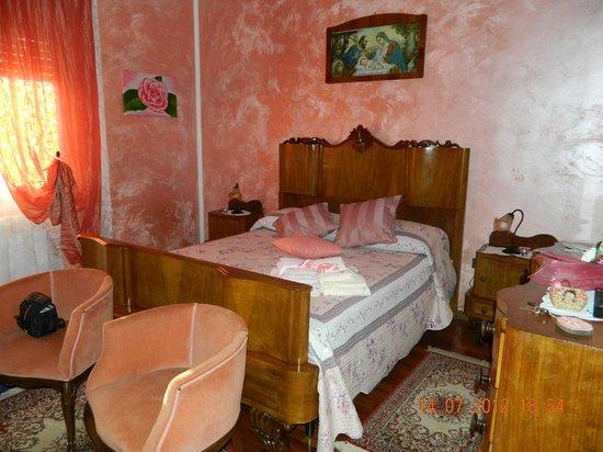 B&B Il Borgo dei Peschi:                   Una delle camere