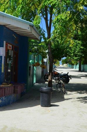 Palm Villa:                   Vår kvartersbutik.