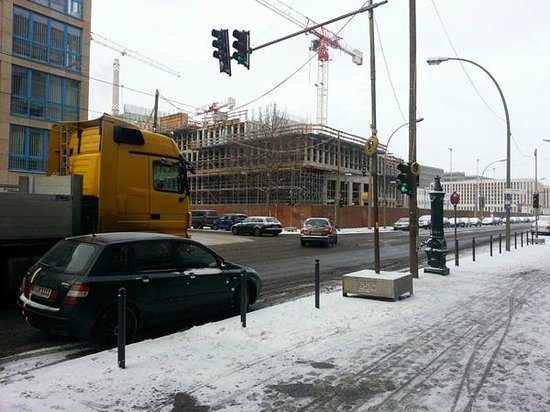 Tryp Berlin Mitte:                   vista desde la entrada