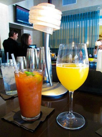 Pane Rustica : Sunday brunch Bloody Mary and Mimosa