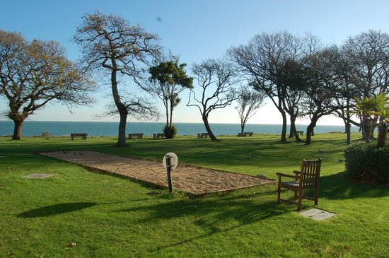 Warner Leisure Hotels Bembridge Coast Hotel:                   Bembride Coast Hotel - The Grounds