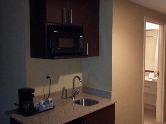 Holiday Inn Express Hotel & Suites Tampa Northwest - Oldsmar:                   Nice suite!