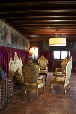 Hotel Danieli, A Luxury Collection Hotel: Sitting area in lobby